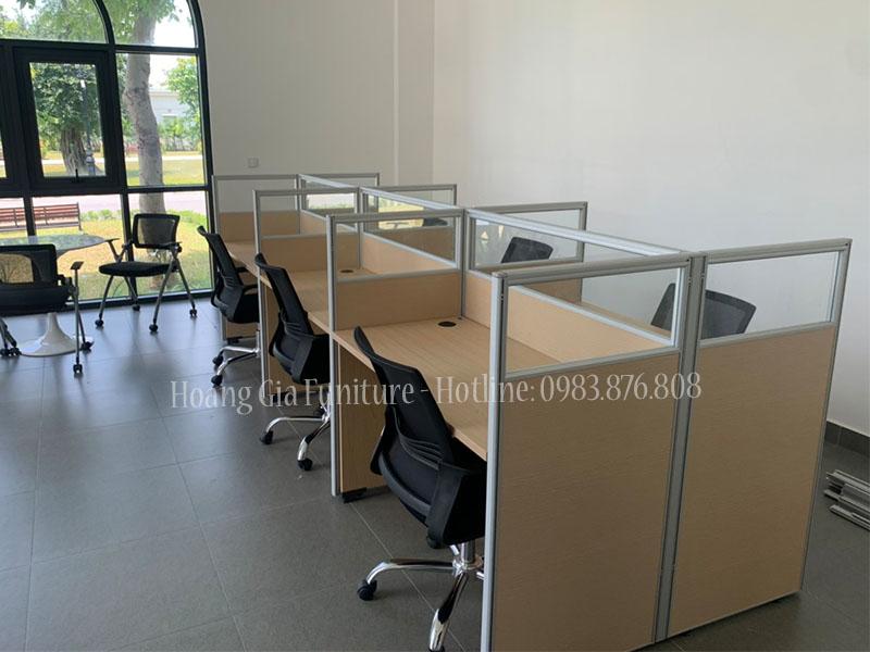 Vách ngăn văn phòng gỗ kính đại học VINUNI