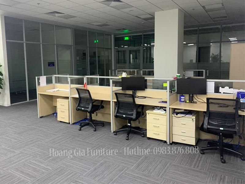 Vách ngăn văn phòng gỗ kính đại học VINUNI - ảnh 2